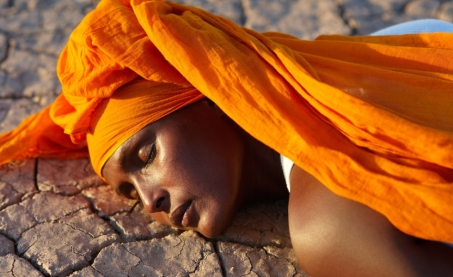 waris-dirie-back-in-the-desert_djibouti-2008